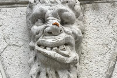 Walking tour of Venice: mascaron