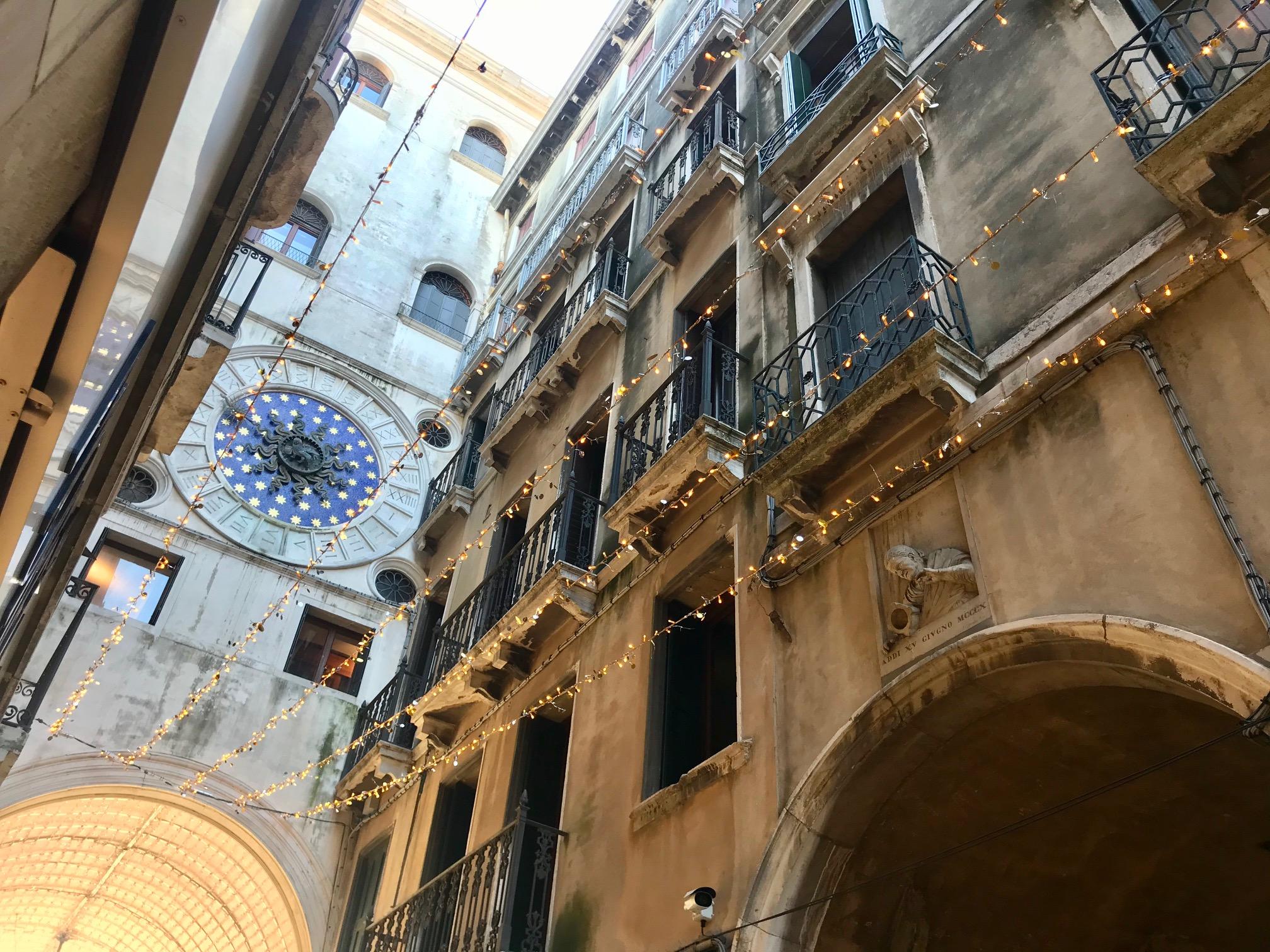 Vecia col morter, san Marco, Lucia guida turistica Venezia